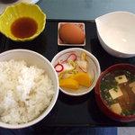 4160421 - 定食¥500。黄ニラ餃子撮り忘れー