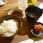 すきやきしゃぶしゃぶ 神戸牛石田 - ご飯とスープお替り自由