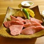 すきやきしゃぶしゃぶ 神戸牛石田 - お肉もいい感じ