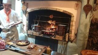 ピレネー - 焼かれているお肉の様子