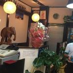 41603569 - アジアン雑貨が温かい店内です。