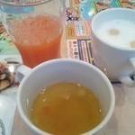 ガスト - 野菜ジュース、カフェラテ、スープ