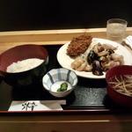気まぐれキッチン石橋 - 気まぐれランチ(秋ナス豚バラ炒め+メンチキカツ)