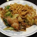来々軒 - 料理写真:チャーローメン¥650 (ソースとごま油をかけた後)