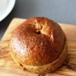 白山ベーグル - 一番人気の珈琲味のベーグル 200円