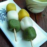 田舎料理田麦舎 - 料理写真:3色団子