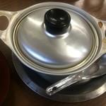 ことり - アルミ鍋ってのがまた雰囲気出してる。