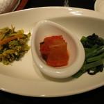 41626722 - 二種の韓国惣菜と自家製キムチ