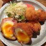 とり田 - 月見スコッチエッグとチキンカツ・新生姜のサラダ
