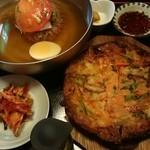 多来 - 冷たい麺セット(水冷麺+海鮮チヂミ)¥1300(税込¥1404)