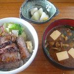 海菜寺 - 極和牛ステーキ丼