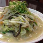 大豚白 - 大豚白麺780円 野菜たっぷり!!
