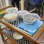 てるのちゃんぽん亭 - お漬物類が自由に食べられます