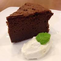 SEKAI CAFE Oshiage - 米粉チョコレートケーキ