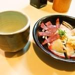 樽 金盃 - 鯨ベーコン&お酒