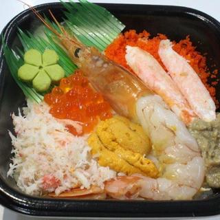 海鮮丼の晩酌セットやつまみとして一品料理始めました