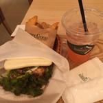 ライチャス - 黒胡椒と鶏のサンド