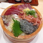 41642631 - 地魚のっけ丼(全景)