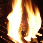 はんばぁーぐ亭 - 料理写真:炭火特有の高温放射熱で焼くことで、肉のうまみを逃がさずジューシーな仕上がりに!