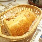 パリジェンヌ - 自家製全粒粉パン