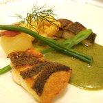 パリジェンヌ - お魚二種類のポワレ、シブレットソース