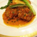 パリジェンヌ - 鳥取県大山地鶏のソテー、トマトとバジル風味