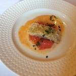 アル・ケッチァーノ - マグロのパン粉焼きとトマト