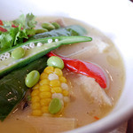BASE CAMP - 鶏ももといろいろ野菜のグリーンカレースープ