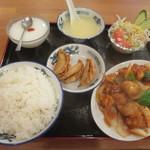 海味亭 - 鶏肉の唐辛子炒め定食