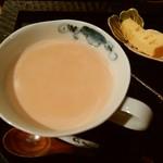 カフェギャラリー柚 - ロイヤルミルクティー