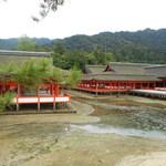 ○錦本舗 - 厳島神社