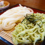 山の音 - 料理写真:二色うどん (¥680)