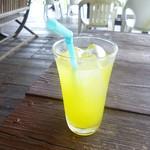 島茶屋あだなし - ドリンク写真:シークワーサージュース
