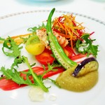 41668387 - 鎌倉の鮮やかな夏野菜と北陸金沢産甘海老のサラダ仕立て