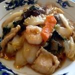 中国料理楼蘭 - 中華丼/色味は良くありませんが王道の「中華丼」って感じでした!