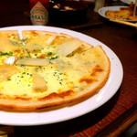 野菜とビストロ Baarm - クワトロピザ