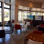 もりもと - 店内カフェスペースもございます。
