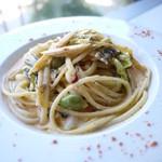 ドゥエ - 料理写真:生姜のスパイシークリームパスタ