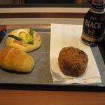 41697990 - 塩くろろーる、パン屋さんのエッグベネディクト、とろーり玉子のカレーパン(2015.07)