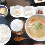 湧水茶屋 なかまち - 団子汁定食