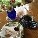 かざはな - ブルーベリーのレアチーズケーキとコーヒー