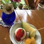 かざはな - バニラアイスとフルーツ