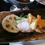デジャヴ - 大根おろし照焼きソースのハンバーグ(国産牛肉&豚肉の2度挽きハンバーグ)