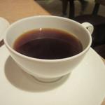 41717868 - コーヒーや紅茶はテーブルでサービスしてくれるんでゆっくり料理を楽しめました。