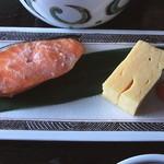 41718990 - 焼き魚と卵焼き