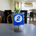 カフェ ドルチェ - 番号札を持って待ちます