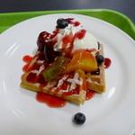 カフェ ドルチェ - 料理写真:ベリーベリーワッフル(ハーフ)