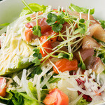 日々酒場 - アボカドと鮮魚のサラダ