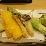 41724687 - 野菜の天麩羅。松茸入り。