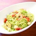 ピソラ - 料理写真:海老と貝柱、フレッシュトマトのジェノベーゼソース